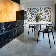 Moon dining table (marble volakas)